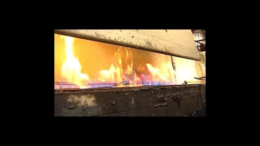 Video Průmyslová výroba v listopadu