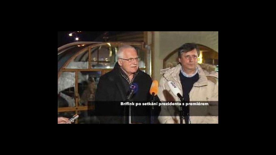 Video Brífink prezidenta Klause a premiéra Fischera