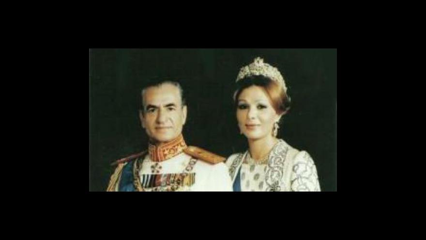 Video Šáh Rezá Pahlaví se oženil s Farah Díbovou