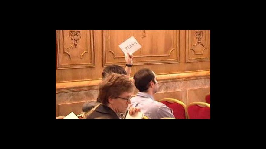 Video V Paříži se dražily lihoviny z doby před francouzskou revolucí
