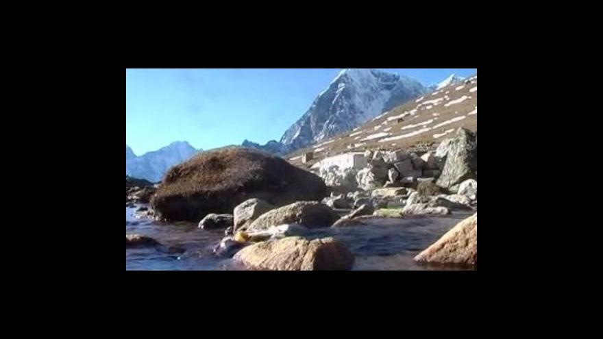 Video Nepálská vláda jednala pod Everestem