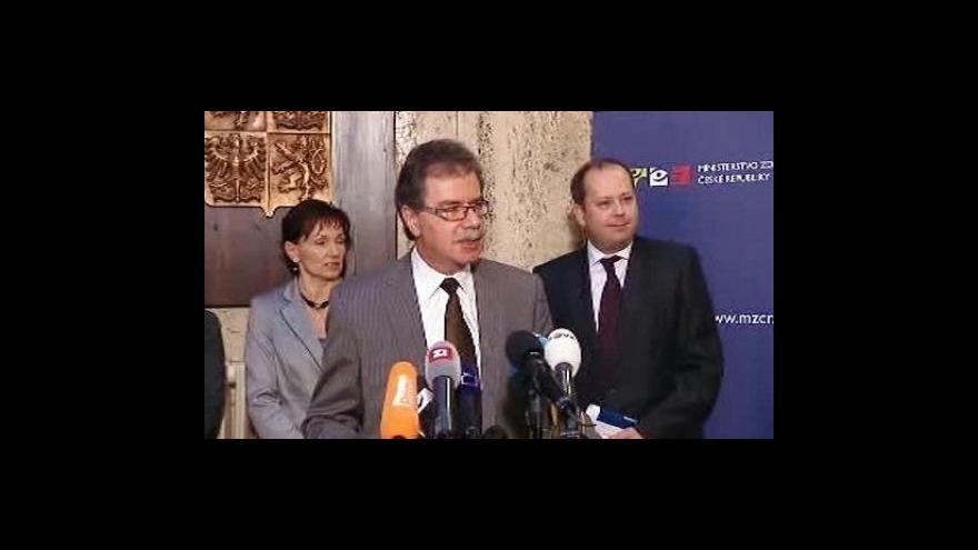 Video Brífink ministerstva zdarvotnictví k prasečí chřipce