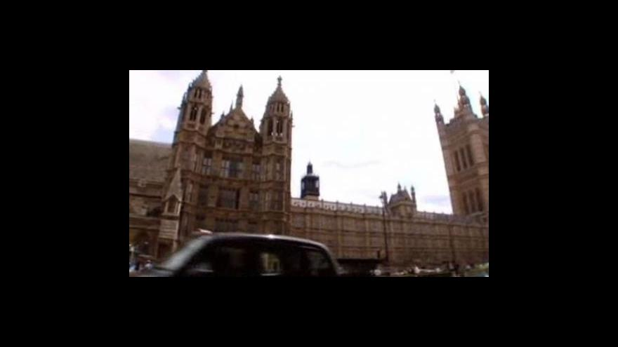 Video Konzervativci nebudou usilovat o referendum