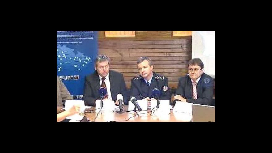 Video Brífink vyšetřovatelů k nehodě ve Studénce