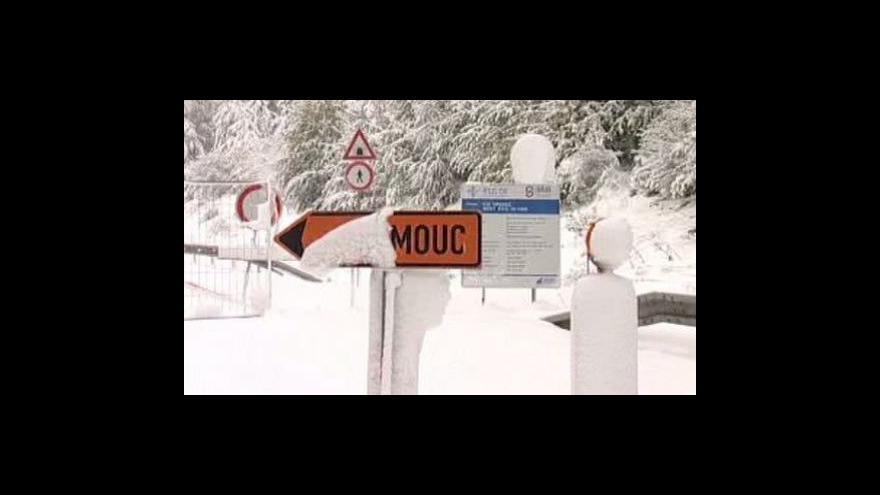 Video Sněhová kalamita postupně pomíjí