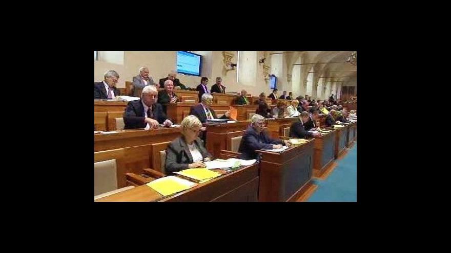Video Senát souhlasil s odkladem státních maturit