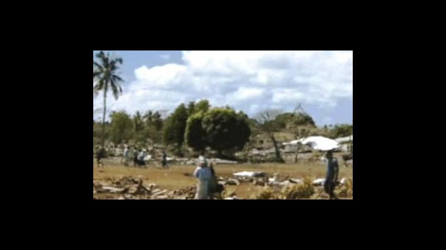 Video Samou zasáhlo zemětřesení a tsunami