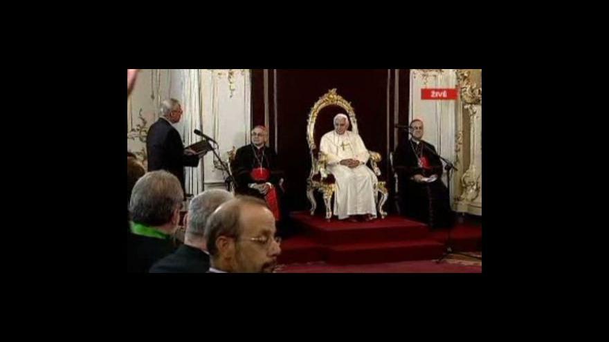 Video Papež u ekumeniků