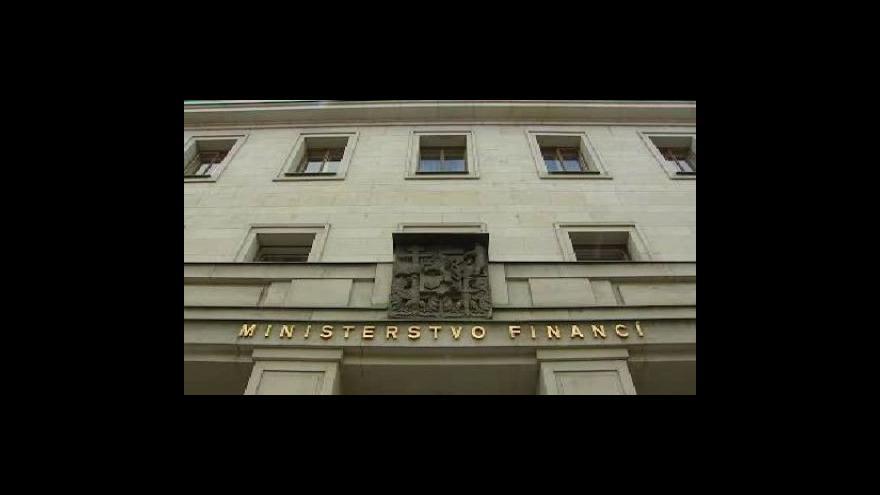 Video Česku hrozí zhoršení ratingu