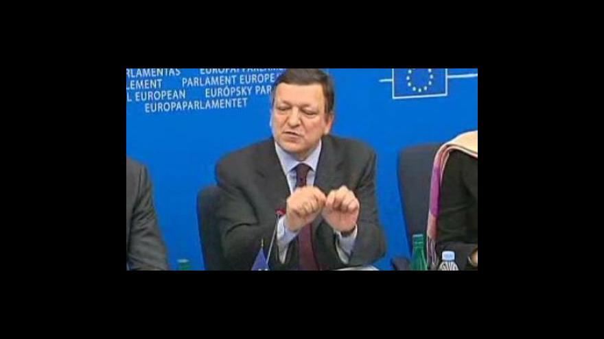 Video Čas na shánění podpory se Barrosovi krátí