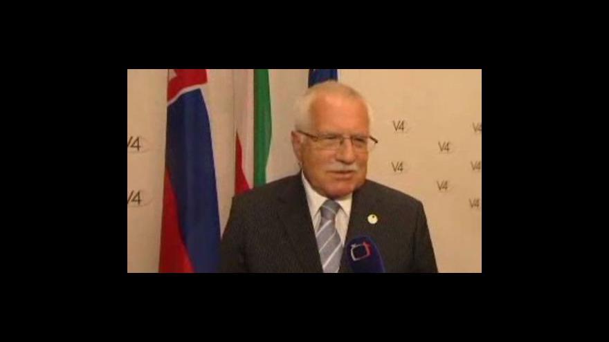 Video Začíná platit novela ústavy schválená v pátek