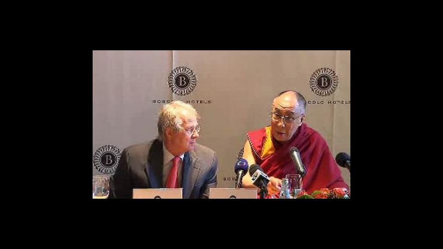 Video Dalajláma je na návštěvě Prahy