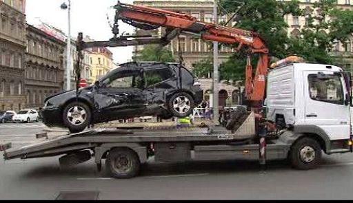 Video Nehoda na náměstí I. P. Pavlova zkomplikovala pražskou dopravu