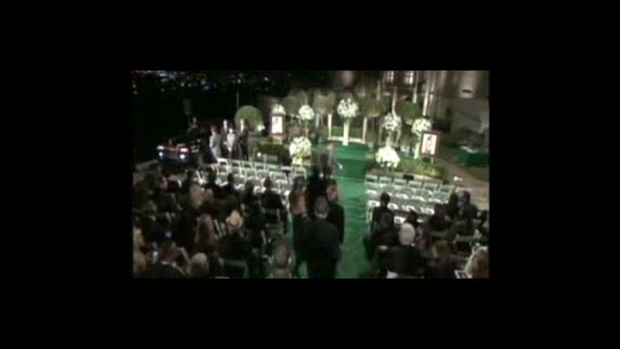 Video Rodinný pohřeb Michaela Jacksona