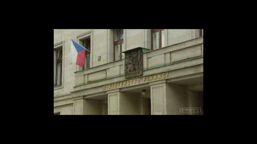 Video Snížení rozpočtového schodku putuje do politické reality
