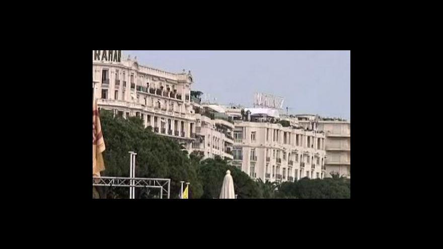 Video Sarkozy chce hlídat odměňování bankéřů