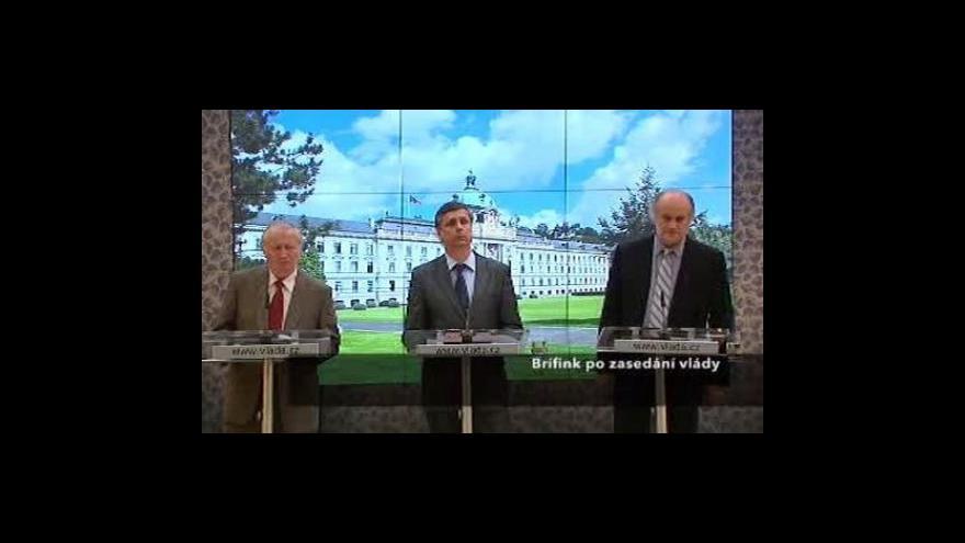 Video Brífink vlády k náhubkovému zákonu a povodňovým dluhopisům