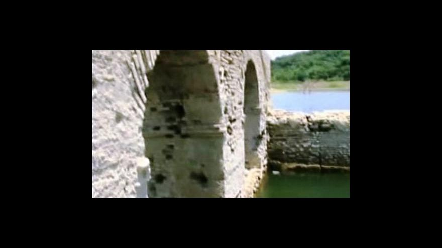 Video Sucho odhalilo zatopený mexický klášter