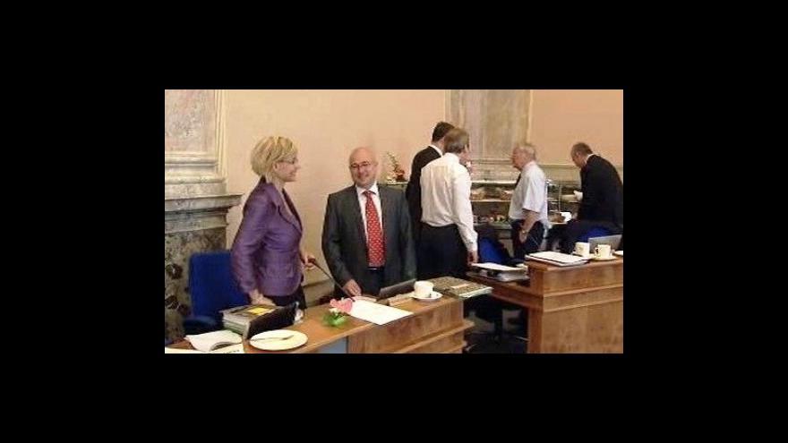 Video Vláda má prázdniny