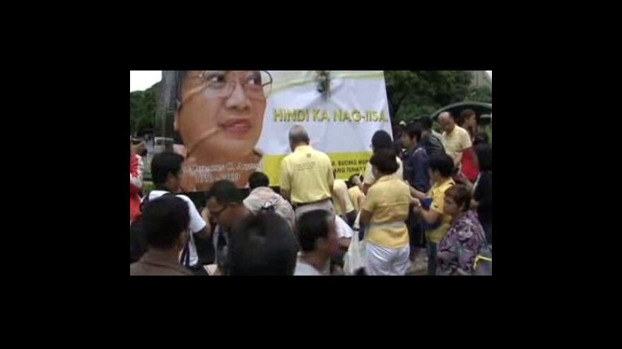 Video Filipíny drží smutek
