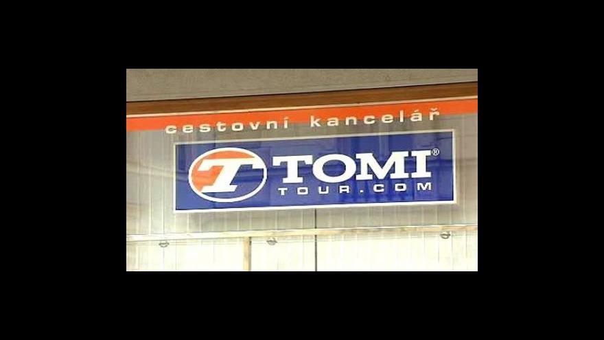 Video České úřady klientům Tomi Tour nepomohly