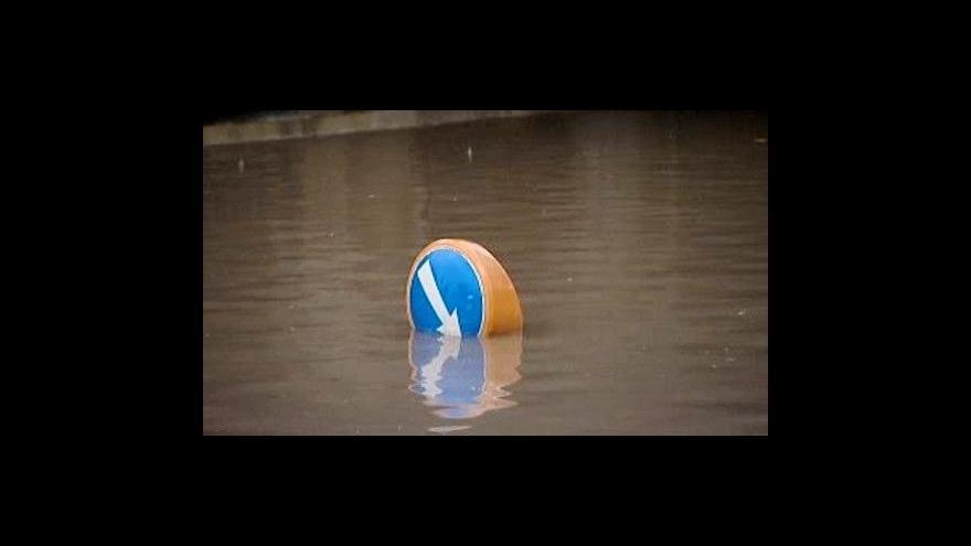 Video Prudké deště způsobily škody na mnoha místech Česka