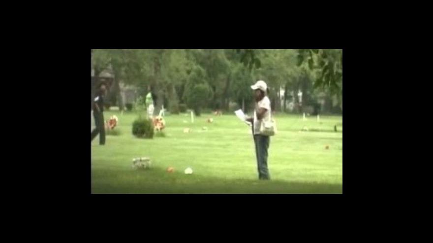 Video Vykradači hrobů v USA