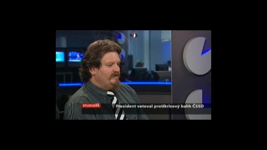 Video Telefonát Jana Moláčka a rozhovor s Petrem Bartoněm