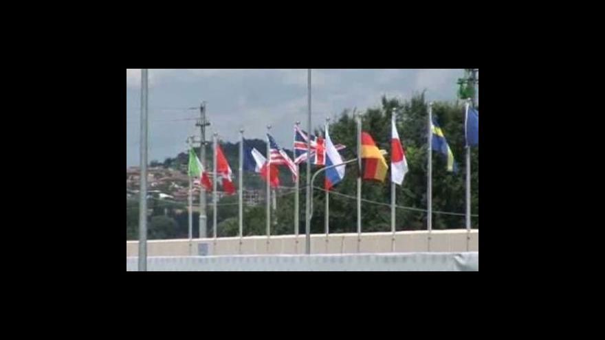Video Boj G8 proti krizi