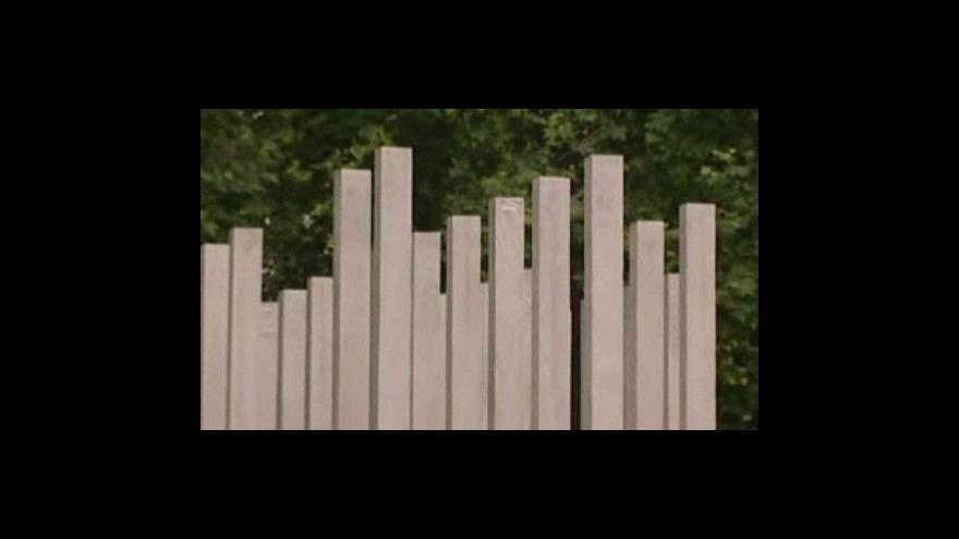 Video Londýn má pomník obětem teroristických útoků
