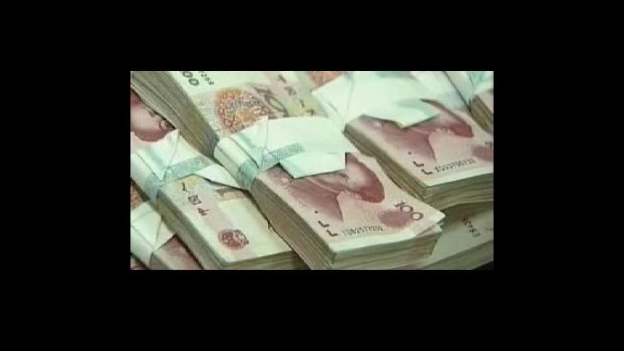 Video Dolaru teče do bot