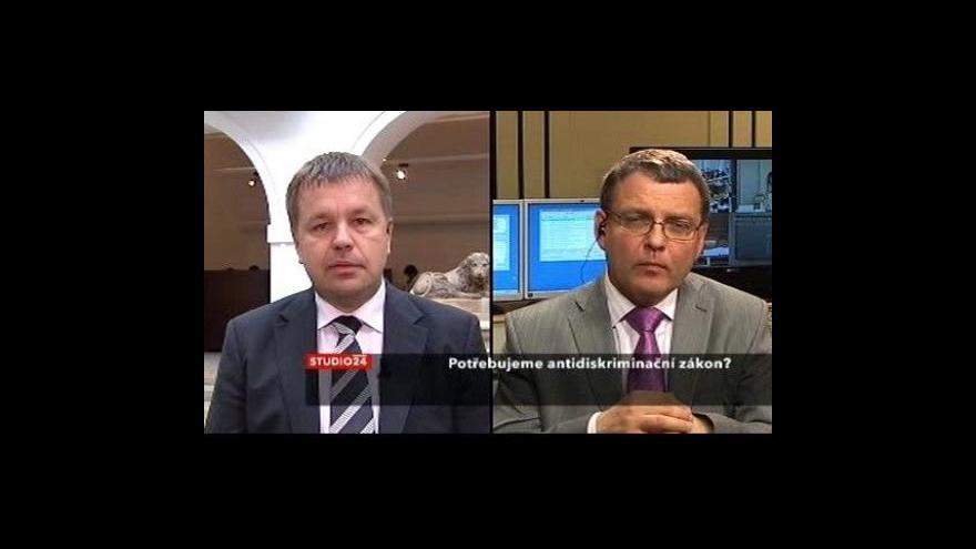 Video Studio ČT24 s Petrem Tluchořem (ODS) a Lubomírem Zaorálkem (ČSSD)