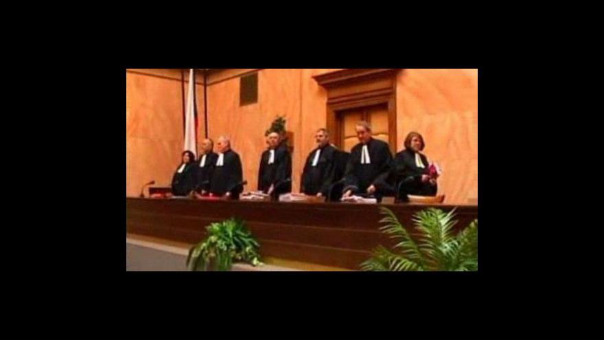 Video Regulované nájemné znovu u soudu
