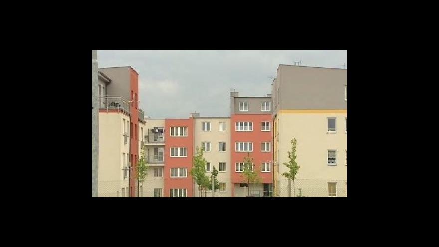 Video Ceny panelových bytů klesají