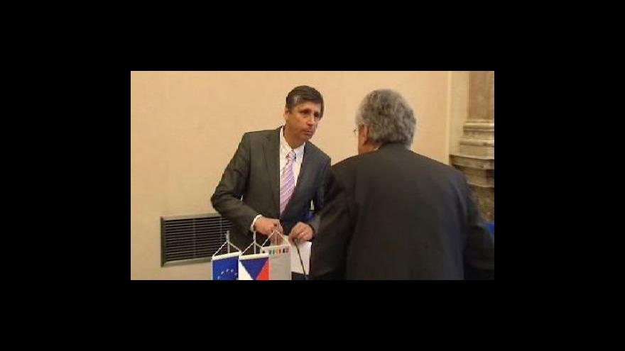 Video Vláda schválila výdajové rámce na roky 2010 až 2012