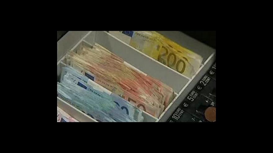Video Daňový ráj hlásí meziroční ztráty