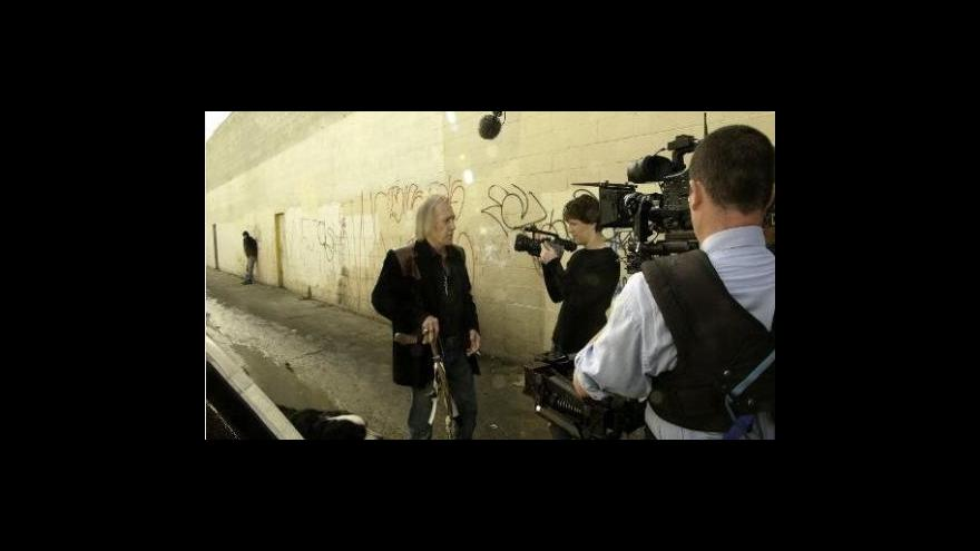 Video Kamil Fila o Davidu Carradinovi