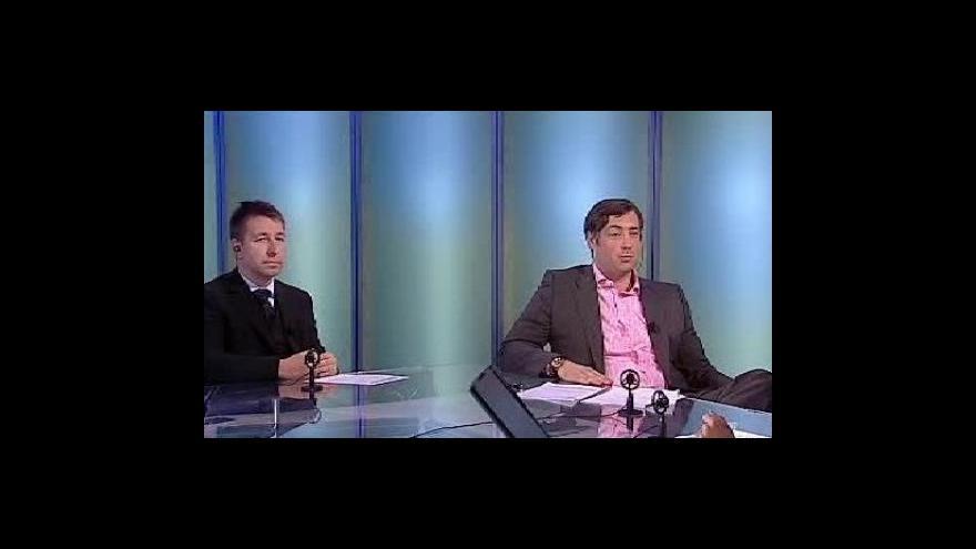 Video Milénium ČT24 s Martinem Kalendou a Markem Hamillem