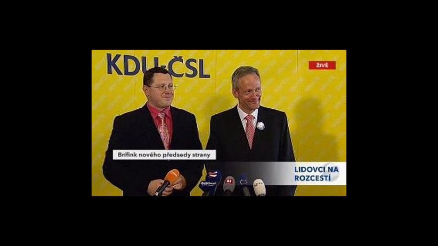 Video Brífink nového předsedy KDU-ČSL Cyrila Svobody