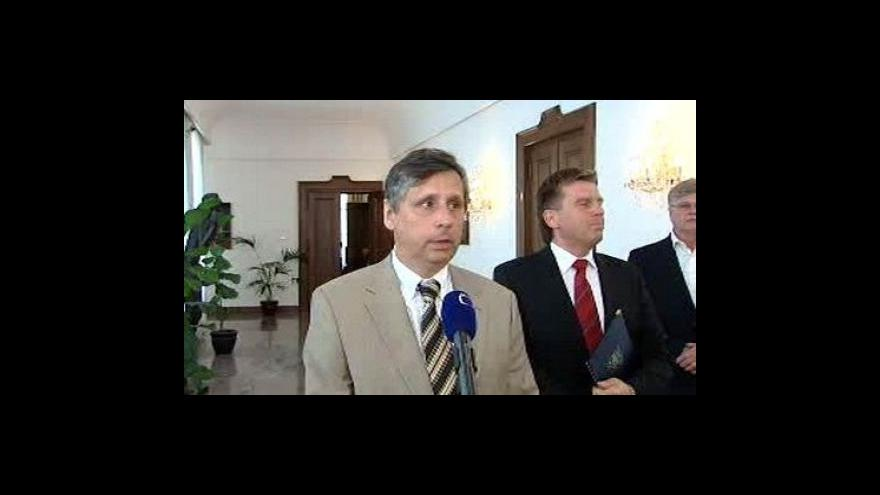 Video Brífink Jana Fischera a Miloslava Vlčka