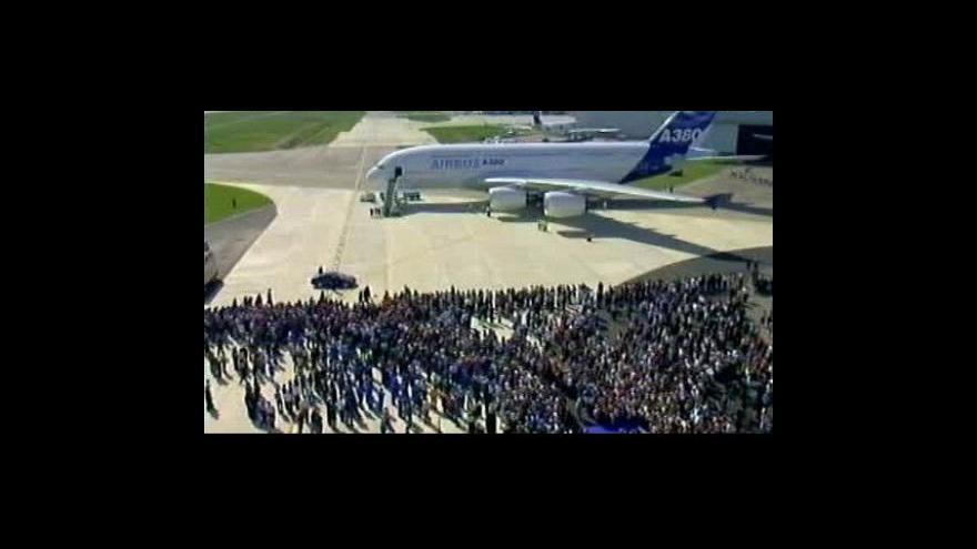Video Airbus A380 slaví první rok provozu