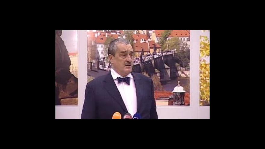 Video Brífink Karla Schwarzenberga po příletu z egyptského jednání o příměří v Gaze