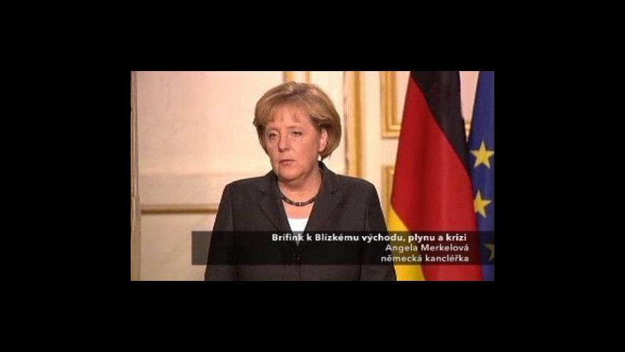 Video Brífink Angely Merkelové a Nicolase Sarkozyho