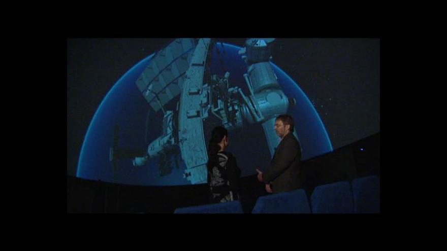 Video Digitální hvězdárna nabídne obhlídku ISS, Země či Saturnu