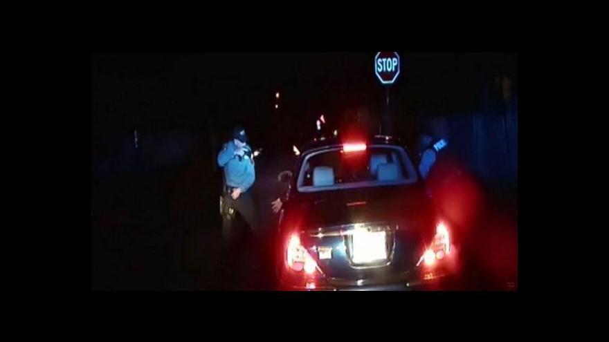 Video Policejní záběry těsně před střelbou