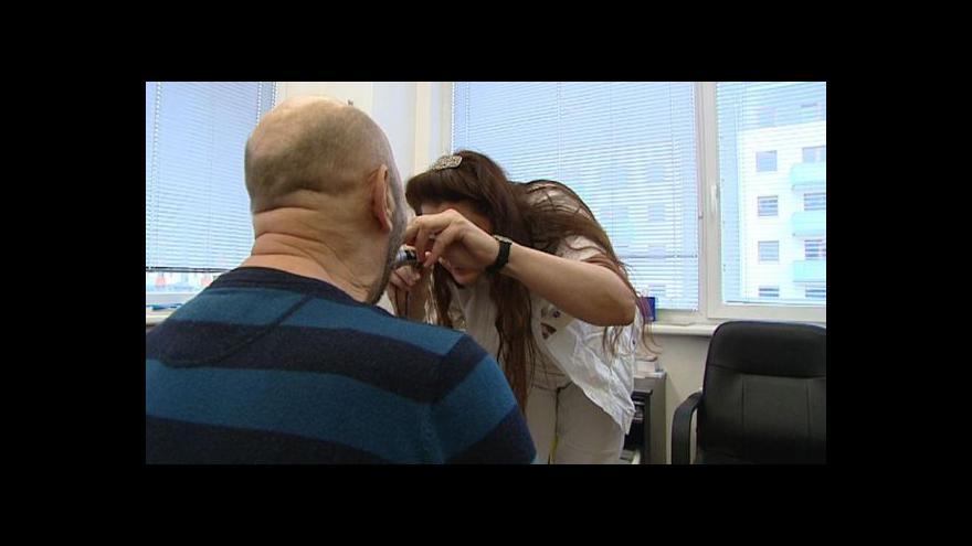 Video U lékaře už se neplatí, pacientů chodí více