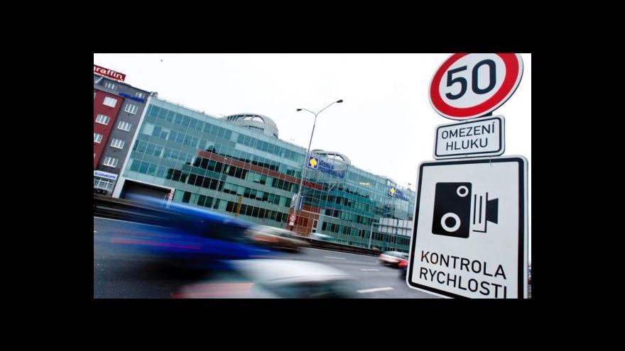 Video UDÁLOSTI: Spory o omezení rychlosti v obcích