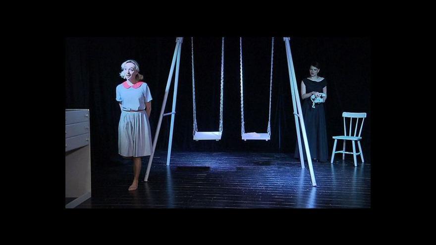Video Sestry B. - Lída Baarová a Zorka Janů spolu na jevišti
