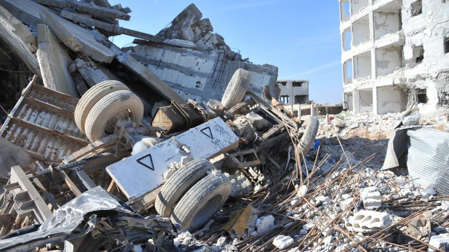 Video Novinářka v Sýrii: Většina obyvatel zničeného Kobani nechce do Evropy