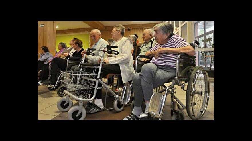 Video Pochybení v péči o seniory
